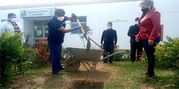 NOTA 86-COLOCAN PRIMERA PIEDRA PARA LA CONSTRUCCIÓN DE LA PLANTA DE OXÍGENO MEDICINAL PARA EL HOSPITAL DE HUARAL