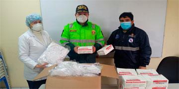 NOTA 105-ENTREGAN MÁS DE 400 MASCARILLAS A LA POLICÍA DE LA COMISARÍA DE HUARAL.